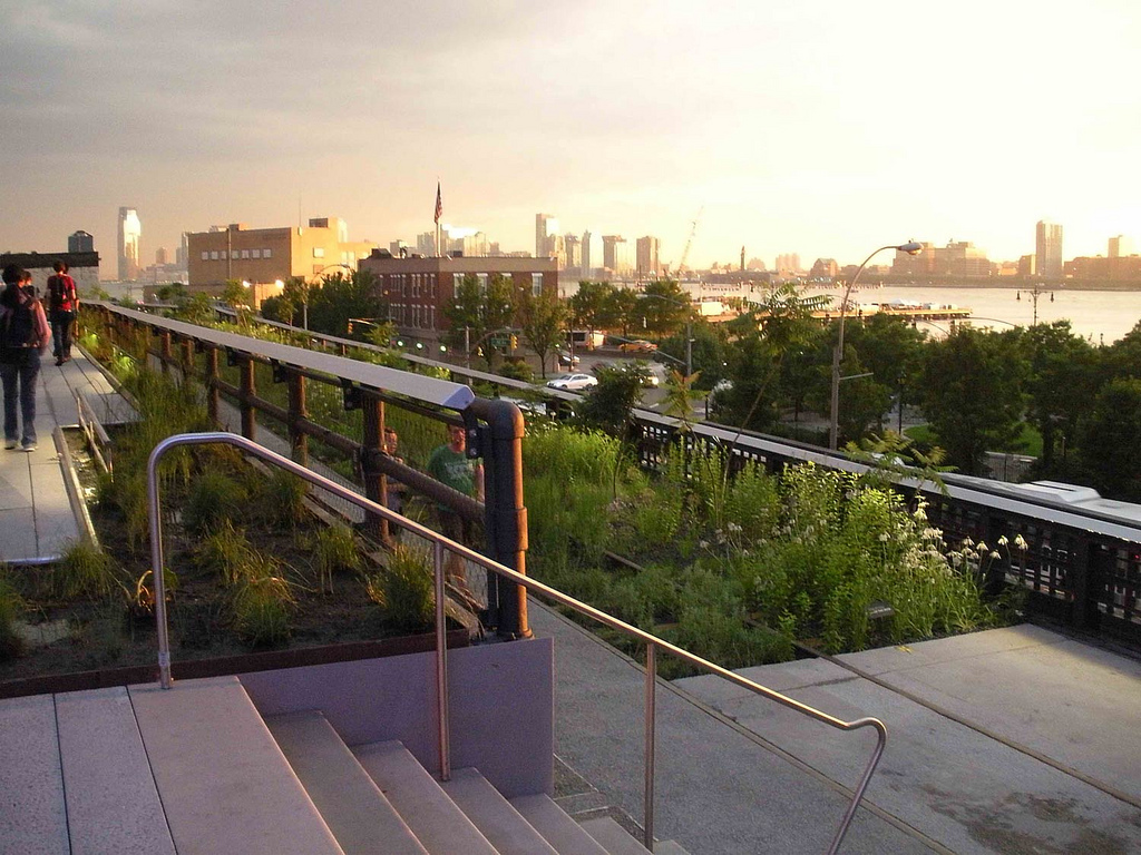 sunset the supermoon at the high line. Black Bedroom Furniture Sets. Home Design Ideas